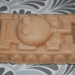 Tank alakú kakaóvajas szappan férfiaknak egyedi természetes bőrápoló ajándék születésnapra névnapra minden bőrtípusra - Meska.hu