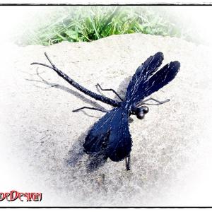 DragonFly-Szitakötő, Otthon & lakás, Dekoráció, Képzőművészet, Szobor, Fém, Dísz, Fémmegmunkálás, DragonFly-Szitakötő - lelkes rovarszobor, belső térbe. \nAnyaga: hegesztett acél, tüzikezelt felülett..., Meska
