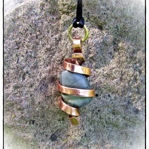 Amulett nyakék Picasso-jáspis maggal, Ékszer, Nyaklánc, Medálos nyaklánc, Ékszerkészítés, Fémmegmunkálás, Meska
