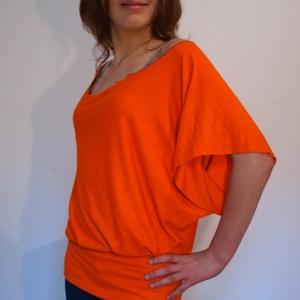 Bő póló, Póló, felső, Női ruha, Ruha & Divat, Varrás, Egyszerű, laza, egyedi, rövidujjú, ejtett vállú pamut póló.  Alján passzé. Lilában és narancssárgába..., Meska