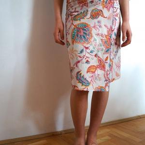 Indiai lapszoknya , Ruha & Divat, Női ruha, Szoknya, Varrás, Virágos szoknya kétféle, könnyű, indiai, 100% pamut anyagból.   A-vonalú lapszoknya, hossza 60 cm.  ..., Meska