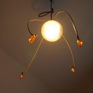 """Gyöngy Edison lámpabúra, Lakberendezés, Otthon & lakás, Lámpa, Hangulatlámpa, Fali-, mennyezeti lámpa, Mindenmás, Drótból és üveggyöngyökből készült \""""lámpabúra\"""", lámpadísz Edison típusú villanykörtéhez ajánlott.  H..., Meska"""