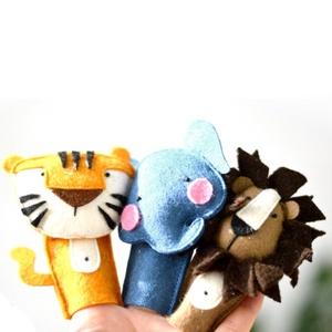 Állatos ujjbábok - Válassz 17 állat közül - róka nyúl medve tigris oroszlán ..., Játék & Gyerek, Bábok, Ujjbáb, Varrás, Ez a termék egy háromdarabos ujjbáb csomag (6.990 Ft/3 darab, 2.330 Ft/darab). \nVásárlás esetén, kér..., Meska