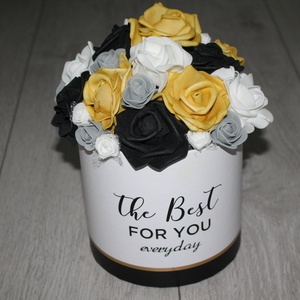Rózsás asztaldísz, rózsabox, Otthon & lakás, Dekoráció, Dísz, Lakberendezés, Asztaldísz, Virágkötés, Dobozt kibéleltem, majd rózsákkal dekoráltam., Meska