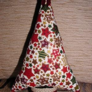 Karácsonyfa klasszikus stílusban, Karácsonyfadísz, Karácsony & Mikulás, Otthon & Lakás, Varrás, A fácska mintás pamutvászonból készül. Törzse lenvászonnal bevont papírguriga. Díszítésképpen szatén..., Meska