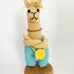 Cool Llama, Láma, Plüssállat & Játékfigura, Játék & Gyerek, Horgolás, Cool Llama - Horgolt amigurumi figura\n\nMéret: 23 cm magas\n\nAnyagok: 55% pamut és 45% poliakril fonal..., Meska