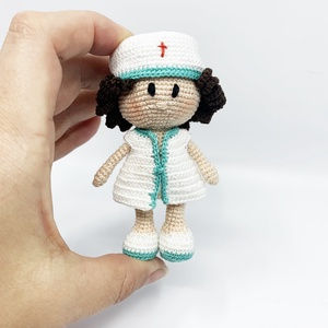 Lovely nurse, Más figura, Plüssállat & Játékfigura, Játék & Gyerek, Horgolás, Lovely nurse - horgolt amigurumi figura\n\nMéret: 9 cm magas\n\nAnyagok: 100% pamut horgolócérna, polyes..., Meska