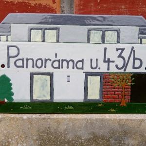 Tűzzománc házszámtábla, Otthon & lakás, Lakberendezés, Utcatábla, névtábla, Férfiaknak, Fémmegmunkálás, Tűzzománc, Tűzzománcból készült egyedi tábla.\nMérete 12*21 cm.\nCsavarral rögzíthető., Meska