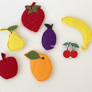 Gyümölcsök-Tépőzáras kiegészítő, Játék & Gyerek, Készségfejlesztő & Logikai játék, Varrás, A saját tervezésű tépőzáras figurákkal képeket alkothatunk, amelyek fejlesztik a gyerekek gondolkodá..., Meska