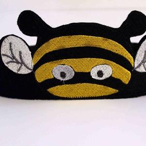 Méhecske 2 fejpánt, Maszk, Arcmaszk, Hímzés, Varrás, Saját tervezésű filcből készült fejpánt. \nHátul tépőzárral van ellátva így mérete állítható. \nAlkalm..., Meska