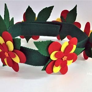 Piros virágos fejpánt, Maszk, Arcmaszk, Varrás, Saját tervezésű filcből készült fejpánt. \nHátul tépőzárral van ellátva így mérete állítható. \nAlkalm..., Meska