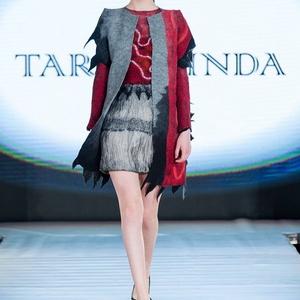 Bordó -ezüst ruha és poncsó, Táska, Divat & Szépség, Női ruha, Ruha, divat, Ruha, Nemezelés, Selyemfestés, Különleges estélyi ruha elegáns poncsóval ami az őszi Budapest Fashion Week divatbemutatójának kedve..., Meska