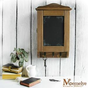 Barna Krétával írható fa kulcstartó szekrény és üzenőtábla, Otthon & Lakás, Bútor, Kulcstartó szekrény, Krétával írható kulcstartó szekrény. Az ajtóra írhatsz motiváló idézetet, vagy épp hasznos infókat, ..., Meska