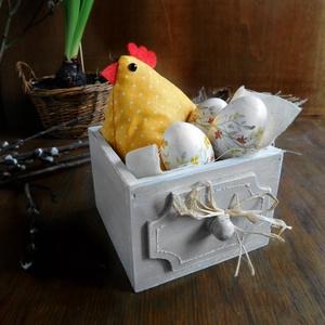 Borbála a bohém húsvéti tyúkocska, asztaldísz (Memelye) - Meska.hu