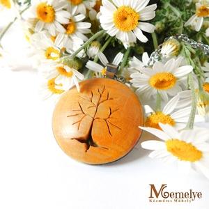Sárga fa nyaklánc, Ékszer, Nyaklánc, Vidám, tavaszi napsütés idéző sárga színben készült, életfa motívummal díszített nyaklánc.   A fa mo..., Meska