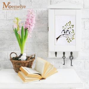 Kulcstartó szekrény, madárka , Otthon & Lakás, Bútor, Kulcstartó szekrény, Kézzel festett, szerelmes madárpárral díszített kulcstartó szekrény. Jó választás, ha nászajándékot ..., Meska