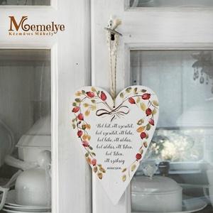 Házi áldás - Szív függő, Otthon & lakás, Karácsony, Dekoráció, Ünnepi dekoráció, Karácsonyi dekoráció, Kézzel festett csipkebogyós mintával, és klasszikus házi áldással díszített szív függő. Akaszthatod ..., Meska