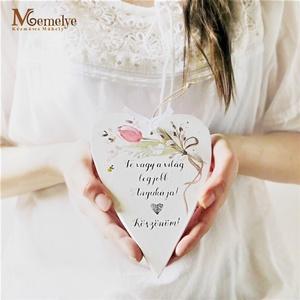 Anyák napi szív függő, Otthon & Lakás, Dekoráció, Falra akasztható dekor, Kézzel festett tulipános mintával, és kedves, anyák napi köszöntő szöveggel díszített szív függő. Jó..., Meska