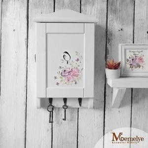 Kulcstartó szekrény, rózsás, Otthon & lakás, Esküvő, Lakberendezés, Nászajándék, Kulcstartó szekrény, romantikus hangulatú, kézzel festett akvarell rózsákkal és kedves kis madárkáva..., Meska