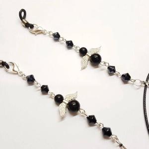 Szemüvegtartó lánc; Maszktartó lánc, Ékszer, Nyaklánc, Medál nélküli nyaklánc, Ékszerkészítés, Kúpos hematit gyöngyökből, és ónix ásványból készítettem az angyalkás szemüvegtartó láncot fekete sz..., Meska