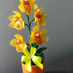 Orchidea  harisnyavirág , Otthon & Lakás, Dekoráció, Asztaldísz, Virágkötés, Közeleg az anyák napja! Kedves ajándék lehet ez a sárga orchidea! Az orchideák királynőjeként is eml..., Meska