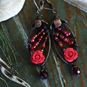 A Főnix kertje - rusztikus fülbevaló, piros fülbevaló, tavaszi fülbevaló, virágos fülbevaló, vörösréz fülbevaló, egyedi, Ékszer, Lógó csepp fülbevaló, Fülbevaló, Ékszerkészítés, Meska