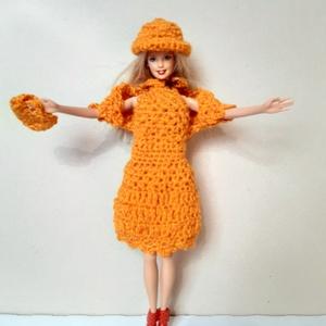 narancssárga színű horgolt Barbie baba ruha, Játék & Gyerek, Baba & babaház, Babaruha, babakellék, Horgolás, 100% akril fonalból horgoltam, élénk narancssárga színű. A ruhához bolero, kalap és kézitáska tartoz..., Meska