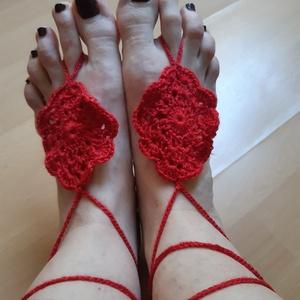 kézzel horgolt lábdísz, Lábdísz & Lábgyűrű, Lábdísz & Testékszer, Ékszer, Horgolás, kézzel horgolt lábdísz\n100% akril fonalból horgoltam. A lábdísz nagyon vékony pántos szandállal szeb..., Meska