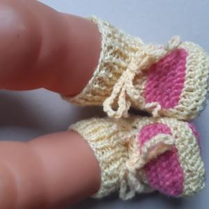 kötött fűzős babacipő, babazokni (több színben), Gyerek & játék, Baba-mama kellék, Kötés, Mindegyik cipőre érvényes, hogy 100% akril fonalból kötöttem a babacipőt vagy babazoknit. 9-10 cm ho..., Meska