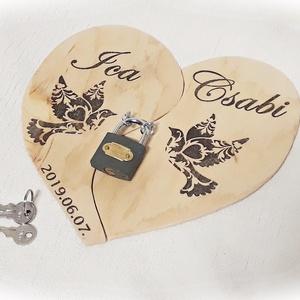 Esküvő, szerelemlakat , lakatceremónia, natúr fa, szív alakú fa falikép,  nászajándék, évforduló,szerelem, valentin (Merka) - Meska.hu