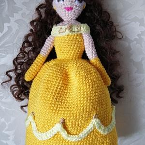 Belle hercegnő - amigurumi horgolt baba, Játék & Gyerek, Baba & babaház, Baba, Horgolás, Hímzés, Egy igazi hercegnő! \nAmigurumi technikával készített, kézzel horgolt baba. \nMagassága 26 cm. \nPihe p..., Meska