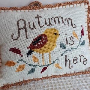 Gyönyörű keresztszemes madaras párna! - otthon & lakás - lakástextil - párna & párnahuzat - Meska.hu