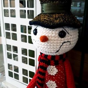 Horgolt csodaszép karácsonyi hóember!, Mikulás, Karácsony & Mikulás, Otthon & Lakás, Horgolás, Magas minőségű, piros, fehér, fekete fonalból készült kedves hóember figura! Egyik büszkeségem! \nAjá..., Meska