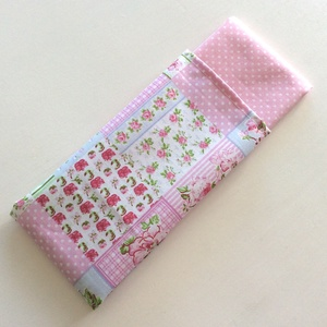 Rózsaszín virágos, patchwork - zsebkendő vagy szalvéta szett, Gyerek & játék, Baba-mama kellék, Táska, Divat & Szépség, Szépség(ápolás), NoWaste, Egészségmegőrzés, Varrás, Fotó, grafika, rajz, illusztráció, Rózsaszín virágos, patchwork mintás pamut textilből készültek ezek a zsebkendők vagy szalvéták. 40 f..., Meska