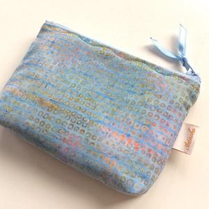 KÉTREKESZES világoskék pikkely mintás, különleges batikolt irattartó pénztárca, neszesszer, kozmetikai táska  (Mesedoboz) - Meska.hu
