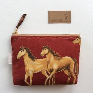 Ló, lovas mintás irattartó pénztárca - Artiroka design, Férfiaknak, Táska, Divat & Szépség, Táska, NoWaste, Pénztárca, tok, tárca, Pénztárca, Varrás, Pamut textilből készítettem ezt a ló / lovas mintás irattartó pénztárcát. Belsejébe táskabélést vasa..., Meska