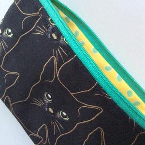 Fekete cica, zöld szemekkel - neszesszer, irattartó arany kontúrral prémium textilből - Artiroka design (Mesedoboz) - Meska.hu