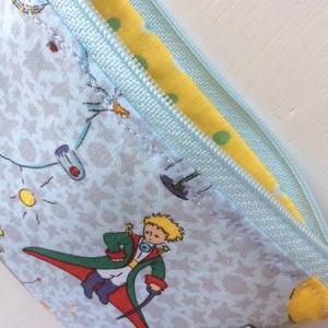 A Kis herceg a világűrben -  irattartó  pénztárca  prémium textilből - Artiroka design (Mesedoboz) - Meska.hu
