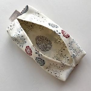 Tyúk és hímes tojás mintás bélelt papírzsebkendő tartó - bézs - Artiroka design (Mesedoboz) - Meska.hu
