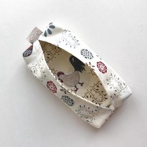 AKCIÓ - Tojás és tyúk mintás bélelt papírzsebkendő tartó  - Artiroka design, NoWaste, Textilek, Textil tároló, Férfiaknak, Otthon & lakás, Lakberendezés, Tárolóeszköz, Varrás, Mi volt előbb a tyúk vagy a tojás?  Pamut textilből készült ez a kívűl-belül mintás, papírzsebkendő ..., Meska