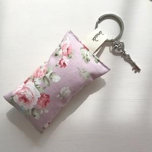 Angol rózsa mintás prémium pamut, púder színű kulcstartó- Artiroka design , Táska & Tok, Kulcstartó, Kulcstartó & Táskadísz, Varrás, Ékszerkészítés, Meska