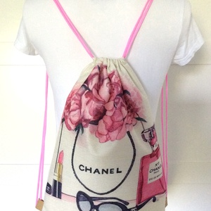 Rózsa és Chanel parfüm mintás, egyedi gymbag hátizsák, tornazsák edzéshez, úszáshoz - Artiroka design - Meska.hu