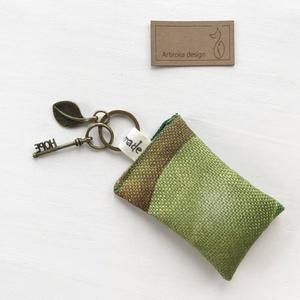 AKCIÓ - Zöld leveles, levendula virággal töltött, illatos kulcstartó, HOPE feliratú kulcs dísszel - Artiroka design  - Meska.hu