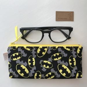 Batman mintás prémium pamut szemüvegtok, tolltartó vagy pipa tartó neszesszer - Artiroka design, Táska & Tok, Pénztárca & Más tok, Szemüvegtok, Varrás, Meska
