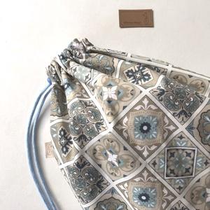 Kenyeres zsák, cementlap mintával, lélegző PUL belsővel, nagy méretben - Artiroka design - Meska.hu