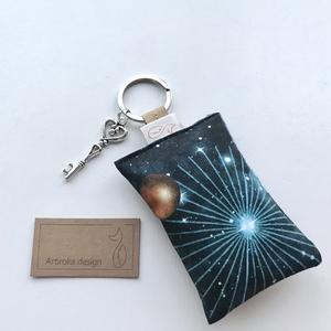 Űrrepülőgép mintás egyedi kulcstartó prémium textilből kis vintage kulcs medállal  - Artiroka design (Mesedoboz) - Meska.hu