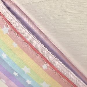 Pasztell szivárvány színű neszesszer, tolltartó, szemüvegtok vagy irattartó csillagokkal  - Artiroka design - Meska.hu