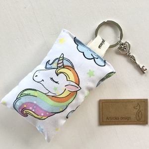 AKCIÓ - Unikornis mintás kulcstartó, vintage kulcs  díszítéssel - Artiroka design, Kulcstartó, Kulcstartó & Táskadísz, Táska & Tok, Varrás, Újrahasznosított alapanyagból készült termékek, Unikornis mintás, prémium pamut textilből készült ez a kulcstartó. A kulcstartót egy kis vintage kul..., Meska