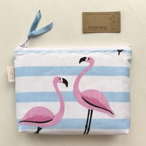 Flamingó mintás irattartó pénztárca   - Artiroka design, Maszk, Arcmaszk, Női, Varrás, Pamut textilből készült ez a kék - Fejér csíkos, flamingó mintás irattartó pénztárca. A cipzárt külö..., Meska