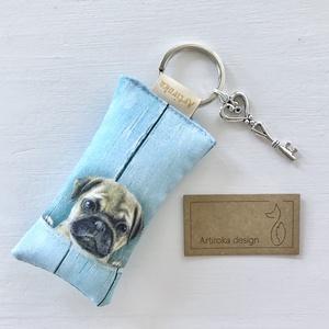 Mopsz kutya mintás kulcstartó, kis vintage kulccsal - Tacsi  - Artiroka design, Táska & Tok, Kulcstartó & Táskadísz, Kulcstartó, Varrás, Ékszerkészítés, Meska